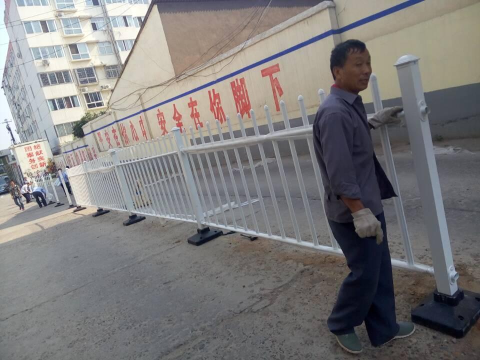 孟津汽车站护栏