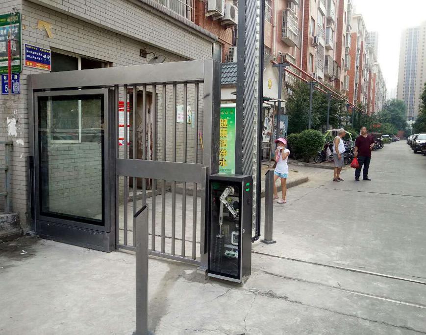 佳华小区门禁广告门平移